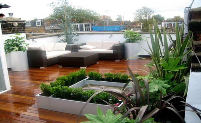 North London landscaped decked roof garden.
